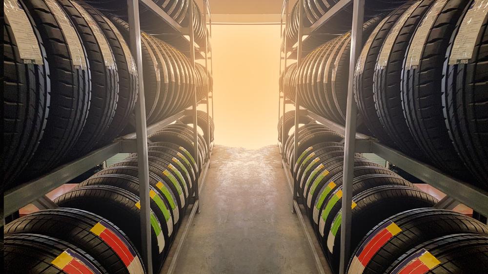 Ako a prečo kúpiť pneumatiky a disky online